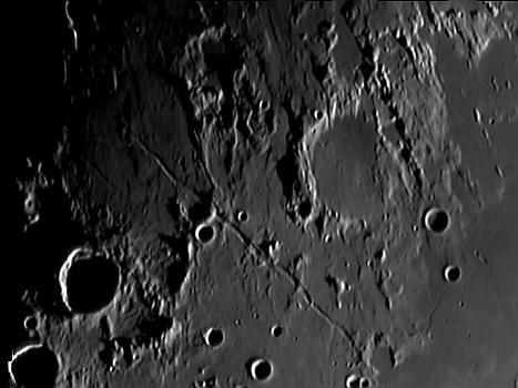 Die Rima Ariadaeus auf dem Mond