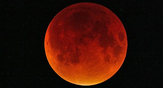 Totale Mondfinsternis beobachtet
