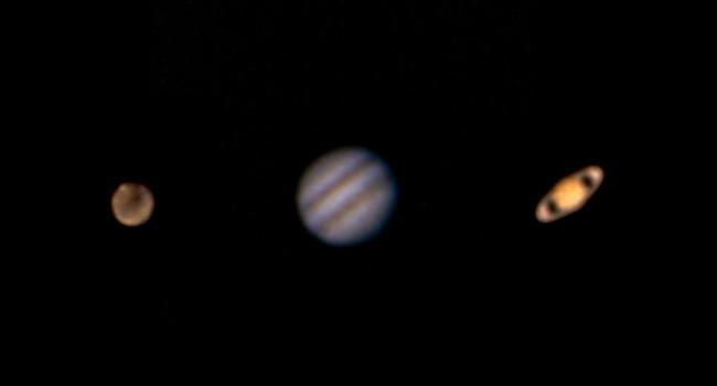 Planeten Mars, Jupiter, Saturn in einer Nacht fotografiert