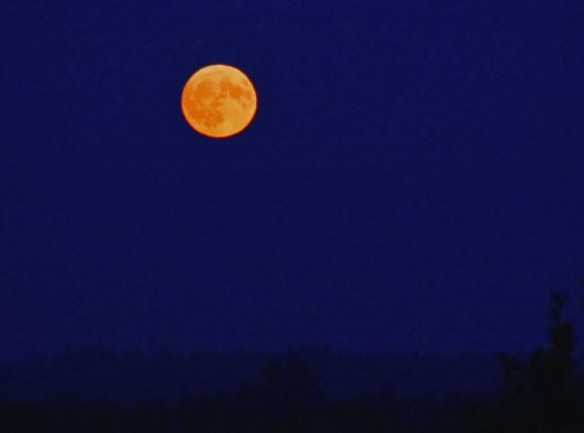 Mondaufgang über der Sternwarte