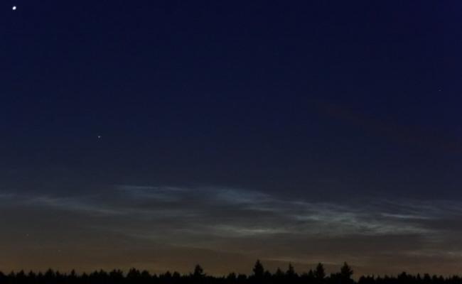 Nachtleuchtende Wolken (NLC) über Huchenfeld