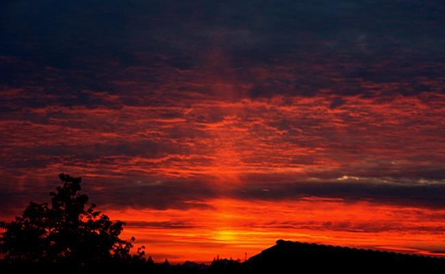 Sonnenuntergang mit Lichtsäule