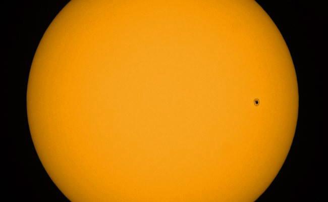 Größerer Sonnenfleck 2738 überraschend aufgetaucht