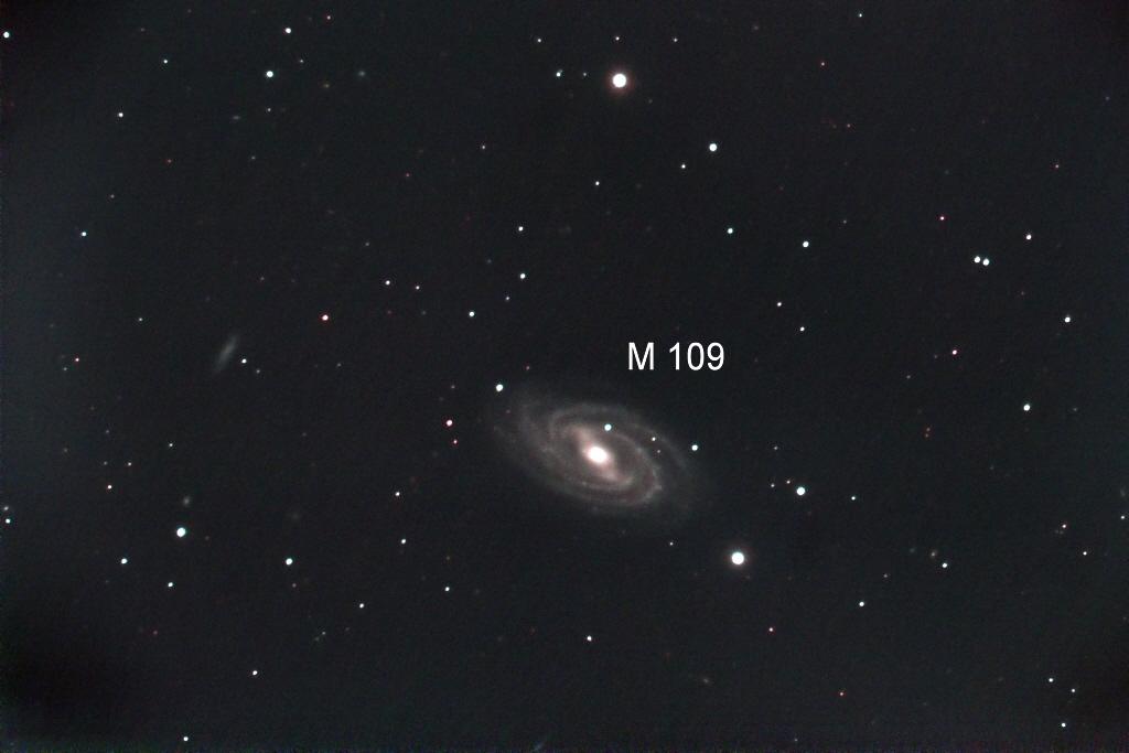 Messier 109 – ein Zwilling unserer Milchstraße