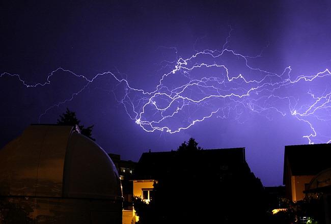 Blitze über der Sternwarte